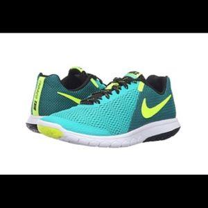 Nike Flex Experience RN 5, size 6.5